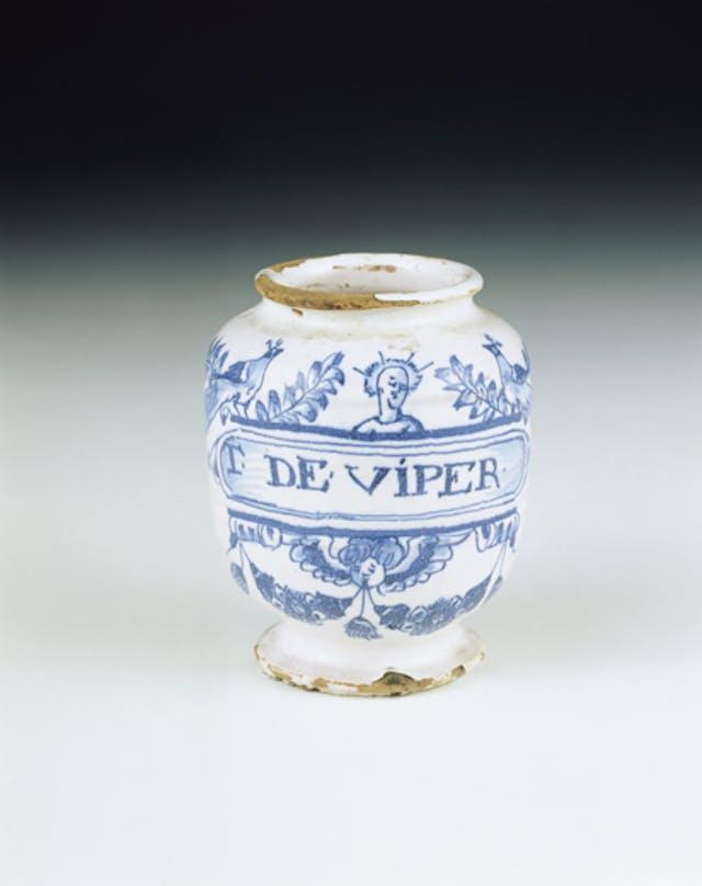 Pharmaceutical jar for viper flesh