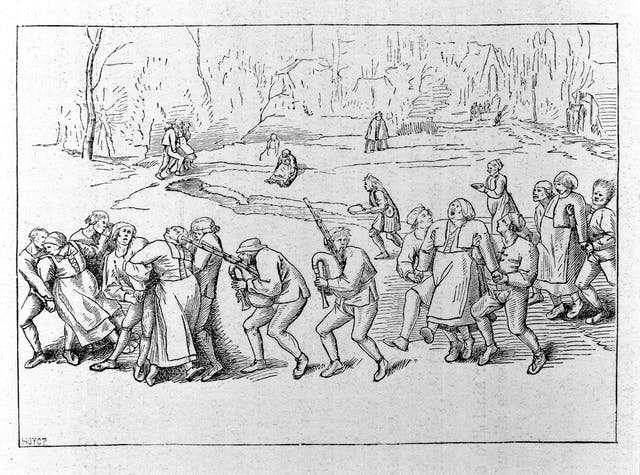 Image of black and white etching of a crowd of people in peasant clothes. Two men at the front hold guns. Women are being restrained.