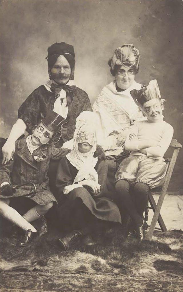 Family portrait, photograph, c.1910