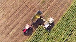 Ensilage du maïs : comment gérer facilement l'entraide pour la récolte ?