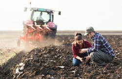Entraide: quelles possibilités légales pour un agriculteur?