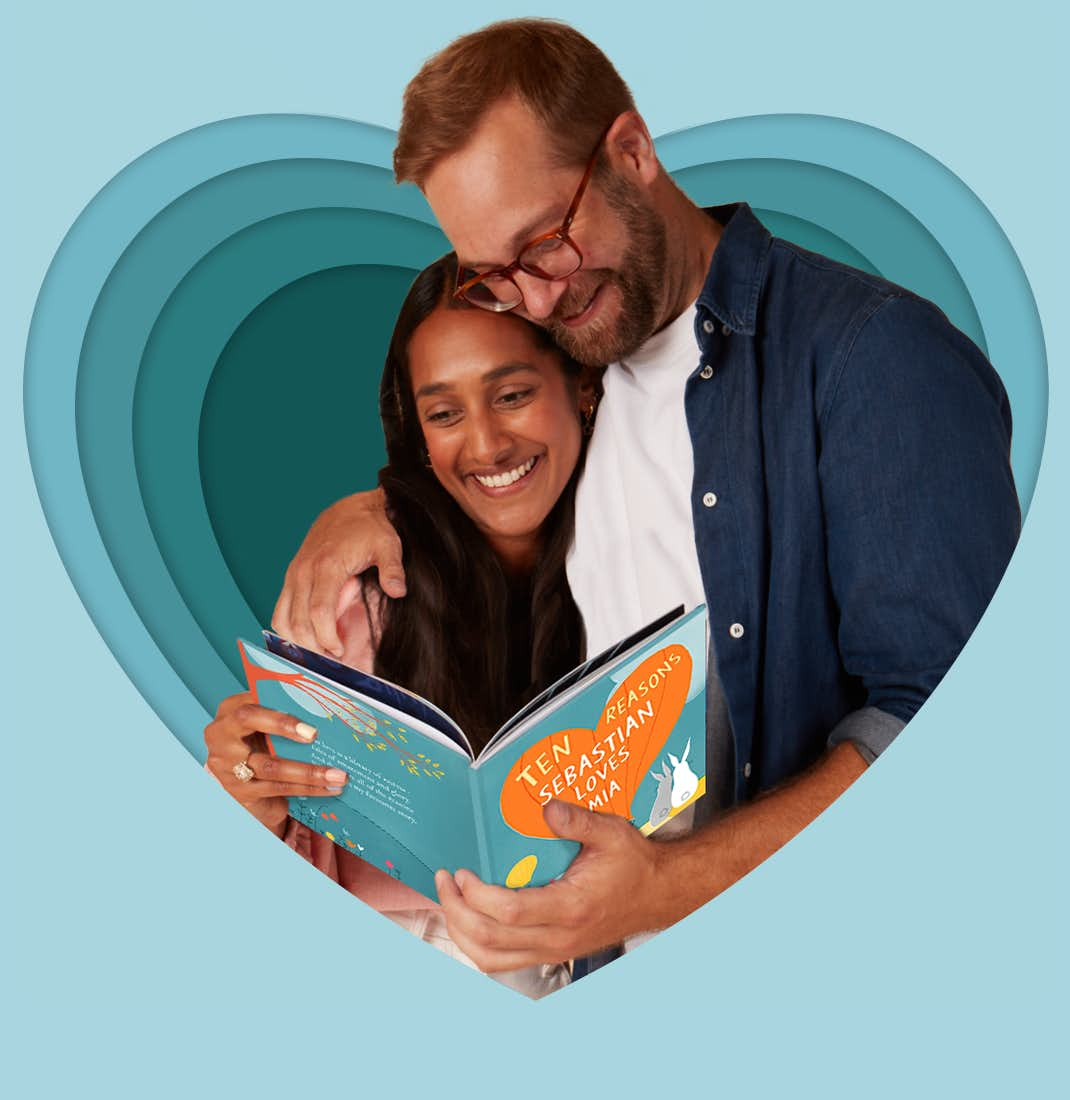 Couple reading Ten Reasons I Love You