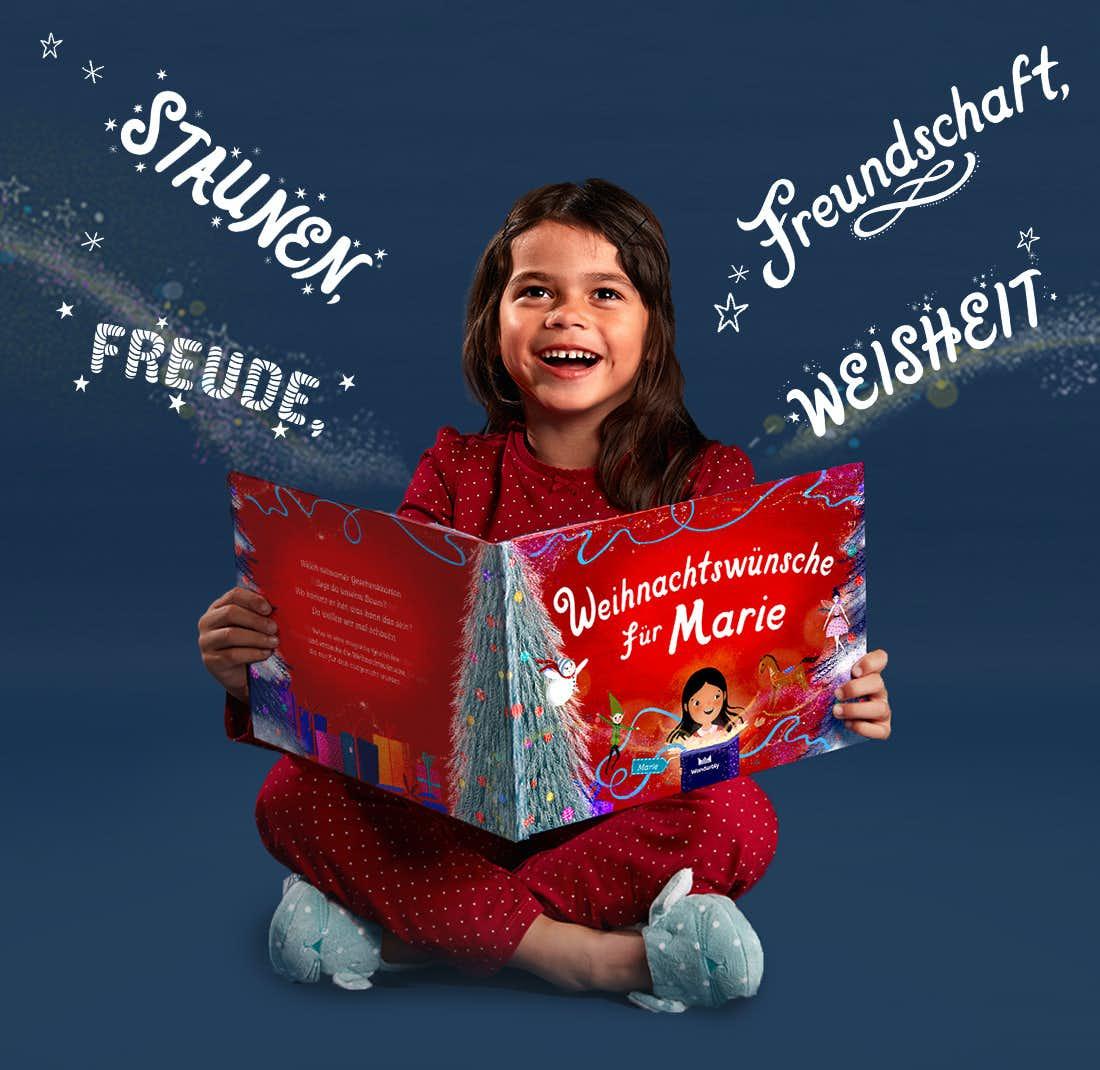 Mädchen liest Weihnachtswünsche für Dich