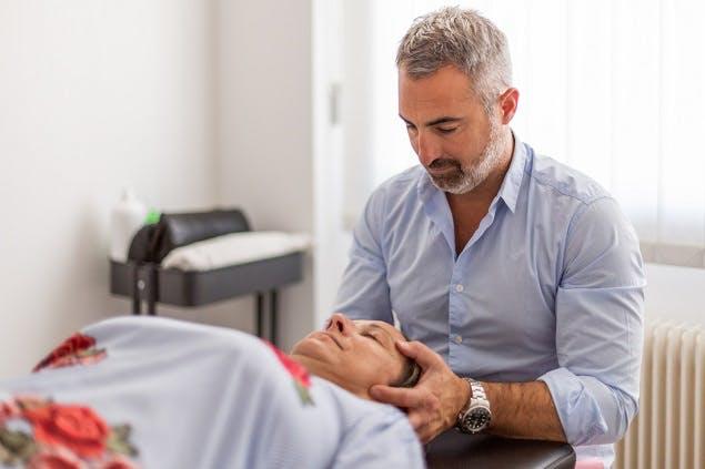 La séance d'ostéopathie