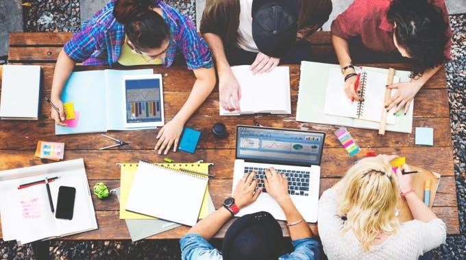 Studium finanzieren mit Studienkredit, BAföG, Bildungskredit und SCHUFA