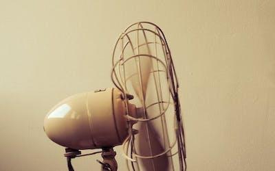 Was passiert bei Hitzewallungen im Körper?