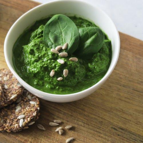 Bärlauch-Pesto-Rezept proteinreich Brotaufstrich Dipp