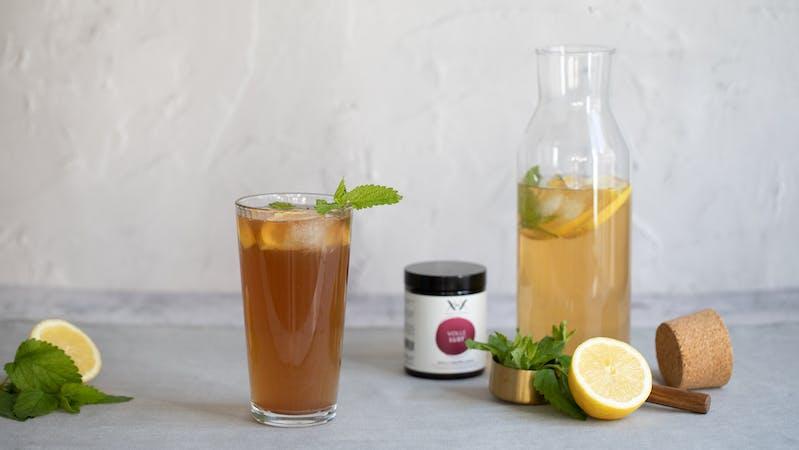 Sommer-Eistee-volle lust-melisse-zitrone-energie-zutaten
