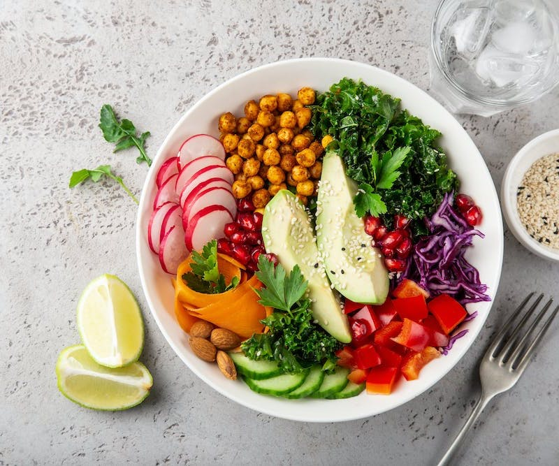 bowl-gemüse-avocado-kichererbsen-hornoelle-Balanace-essen