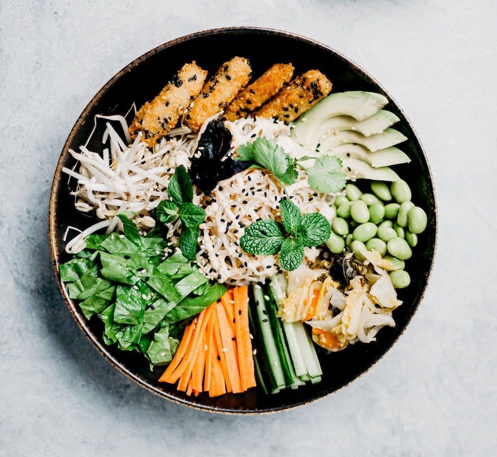 essen-vegan-hitzewallung-xbyx-hormone-menopause-pflanzlich