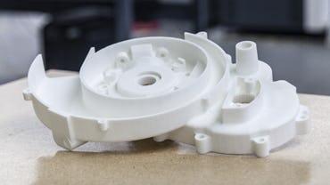 SLS (Selective Laser Sintering) 3D Printing