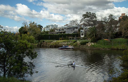 Melbourne house rents drop in affluent suburbs including Toorak, Parkville, Mont Albert