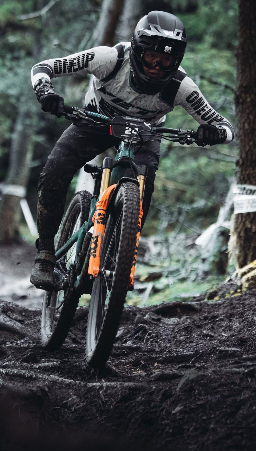 EWS 9 Tweed Valley - Kasper Woolley