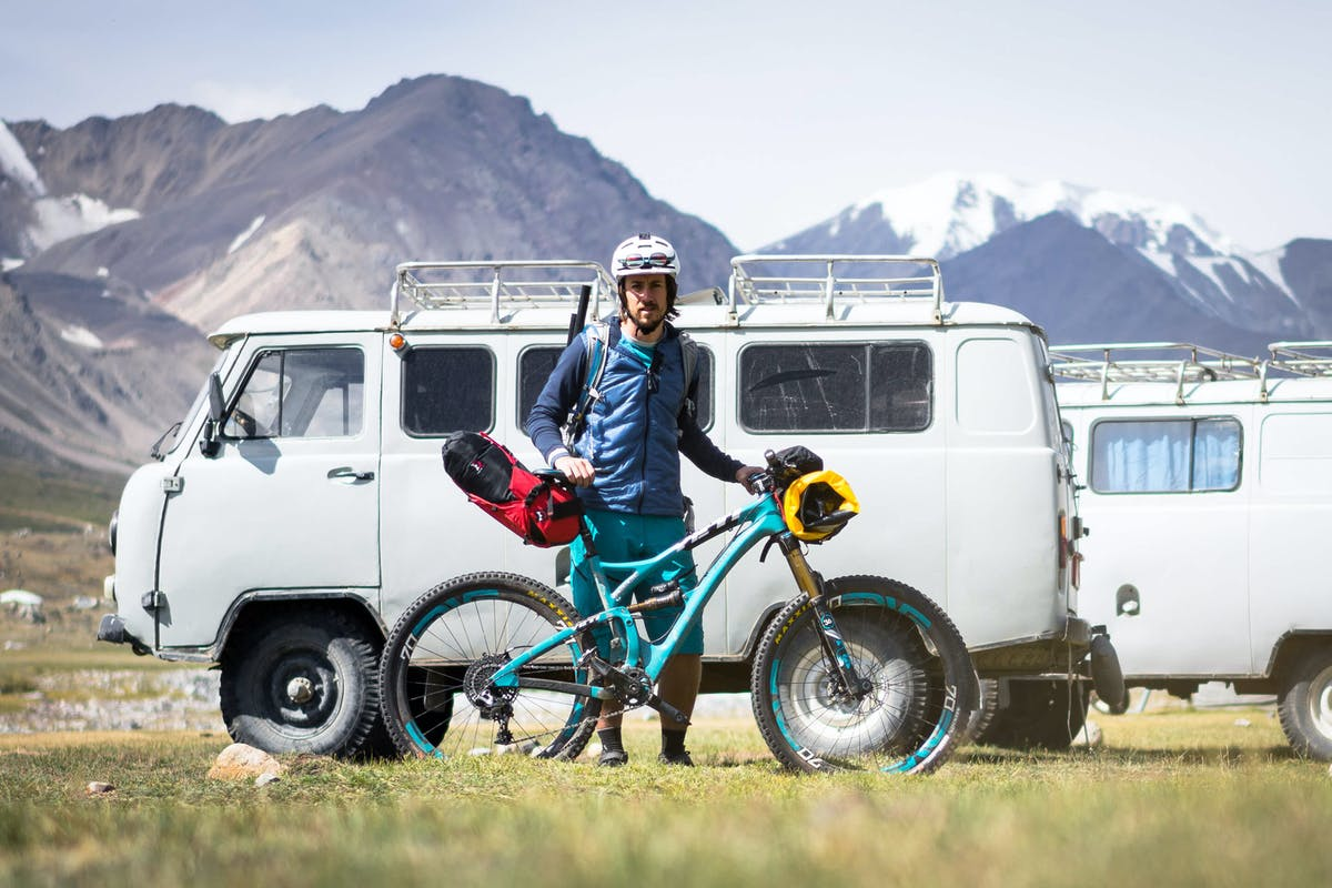 Joey Schusler with his SB5 ready to tackle the Altai Traverse