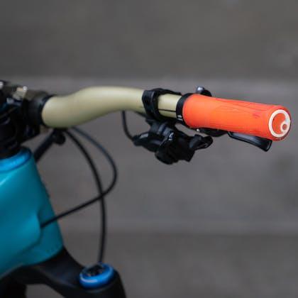 Ergon grips on Richie Rude's 2020 Yeti / Fox Factory Team Race Bike