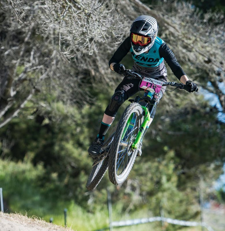 Laura Slavin racing the DH at Sea Otter 2019