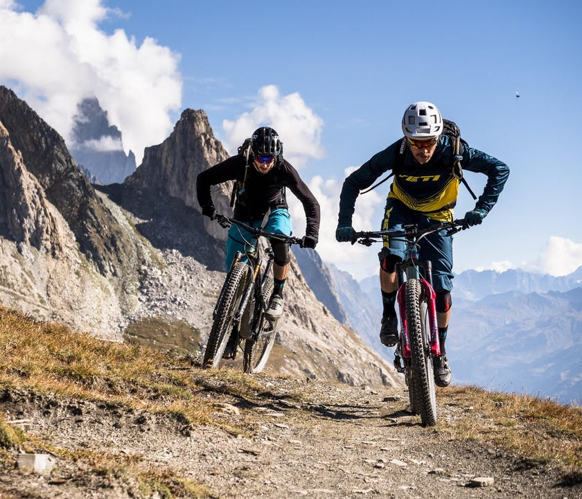 Nate Hills and Francesco Gozio riding Yeti SB130's
