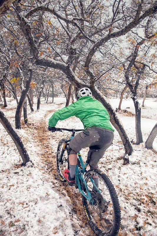 Jim Harris riding through fresh layer of snow