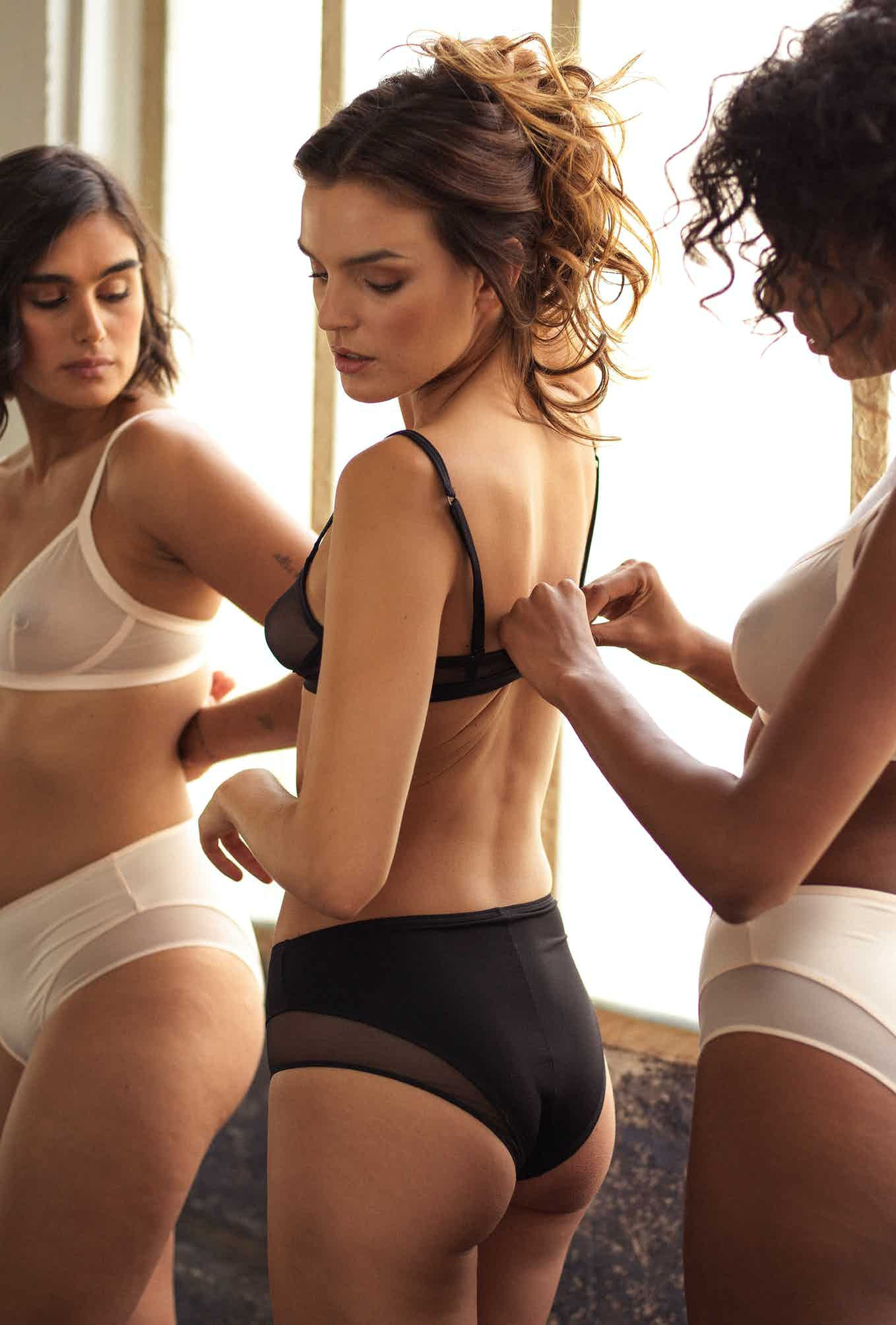 Lingerie sets Histoire de femmes in black, powdery pink and ivory