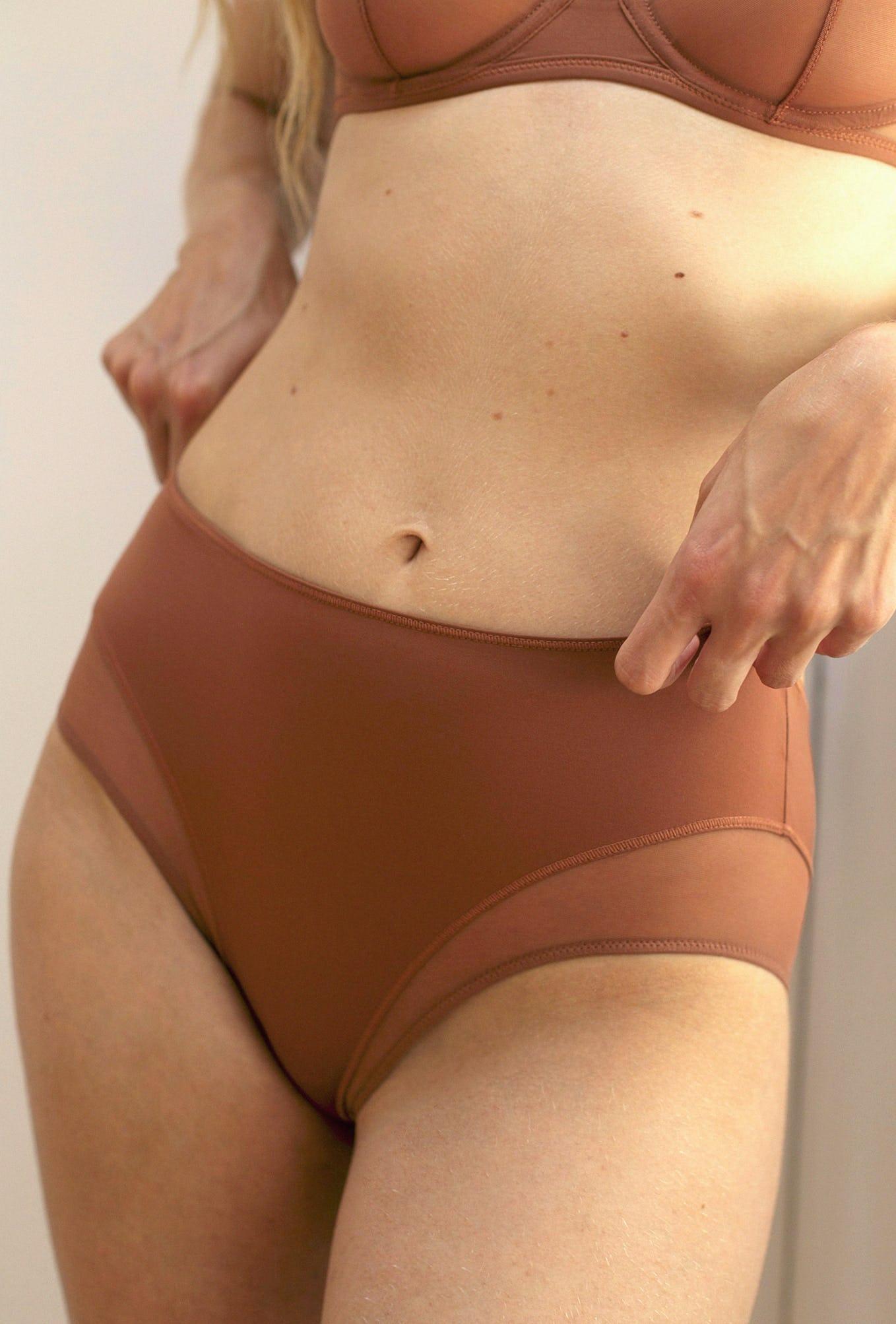 culotte haute histoire de femmes marron clair