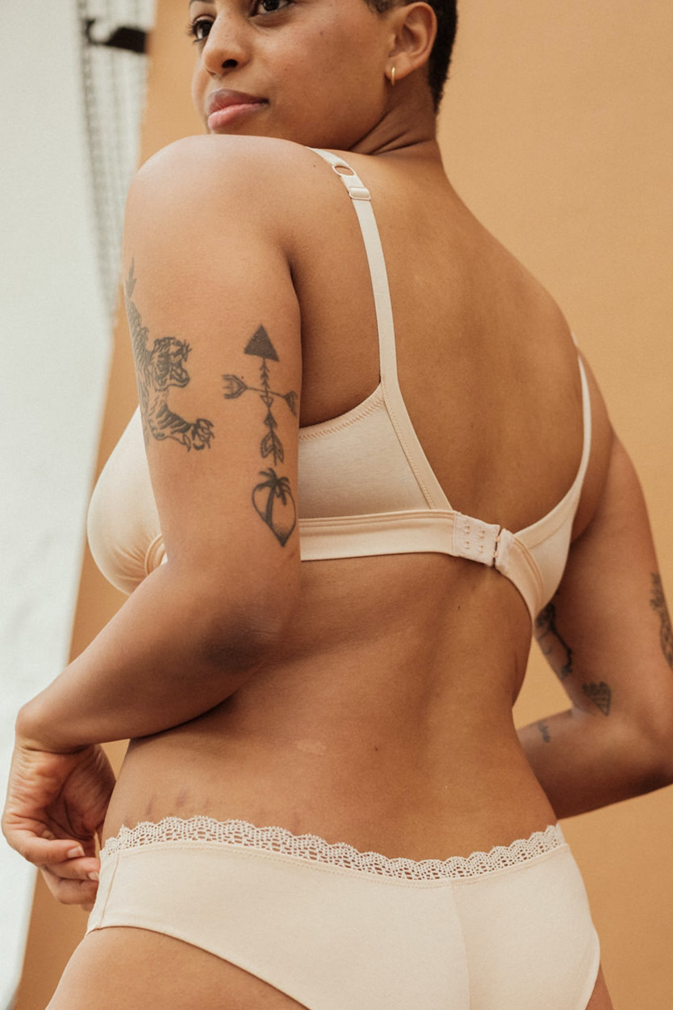 Maternity lingerie set Une chanson douce in light beige with bandeau bra and briefs