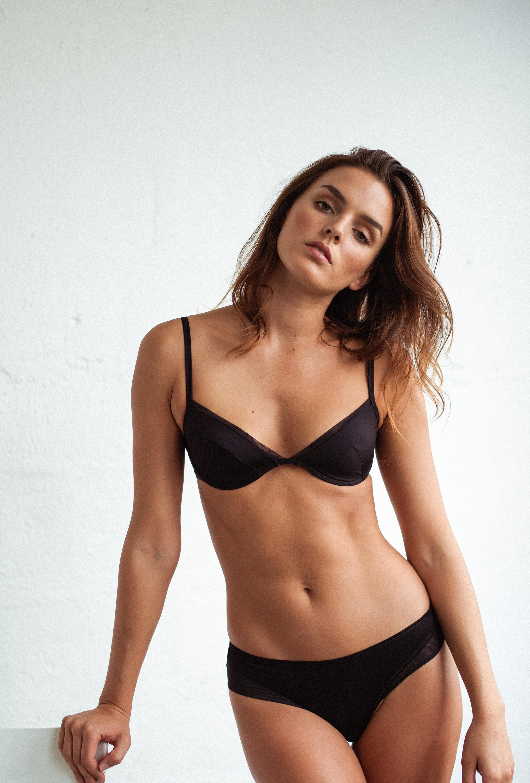 Ensemble de lingerie push up noir et shorty noir