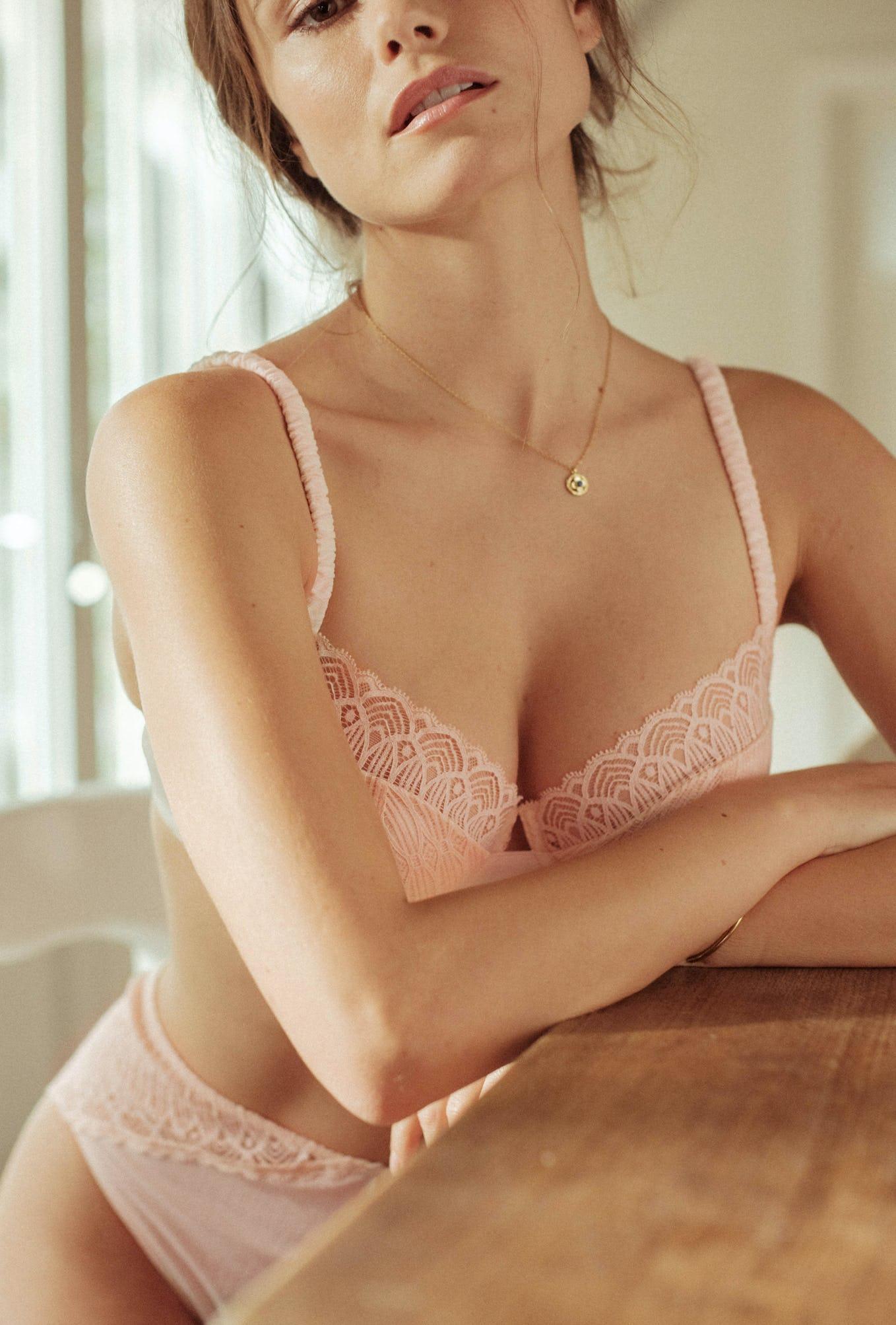 ensemble de lingerie Sur mon épaule rosé