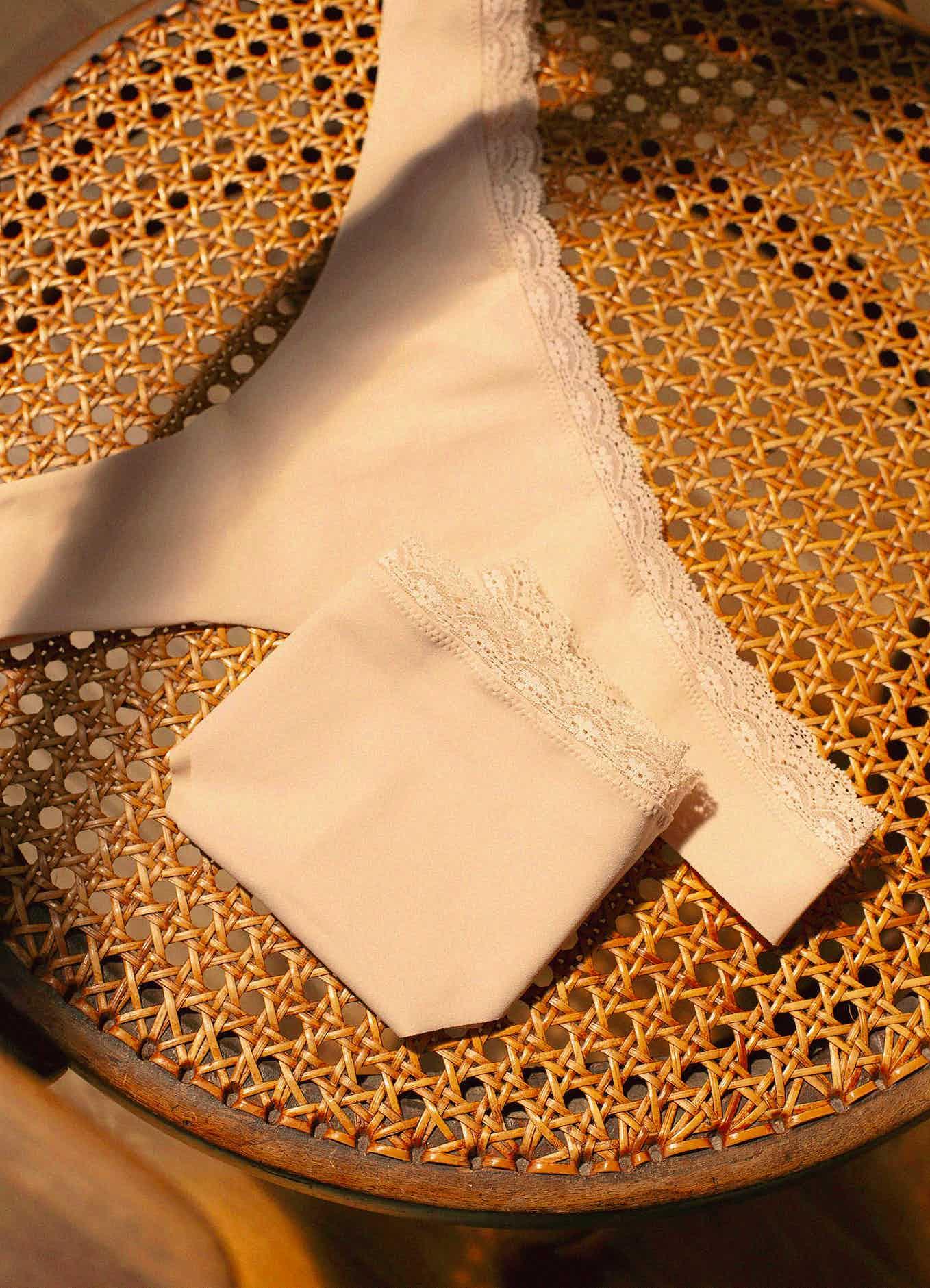 tanga essentiel beige clair