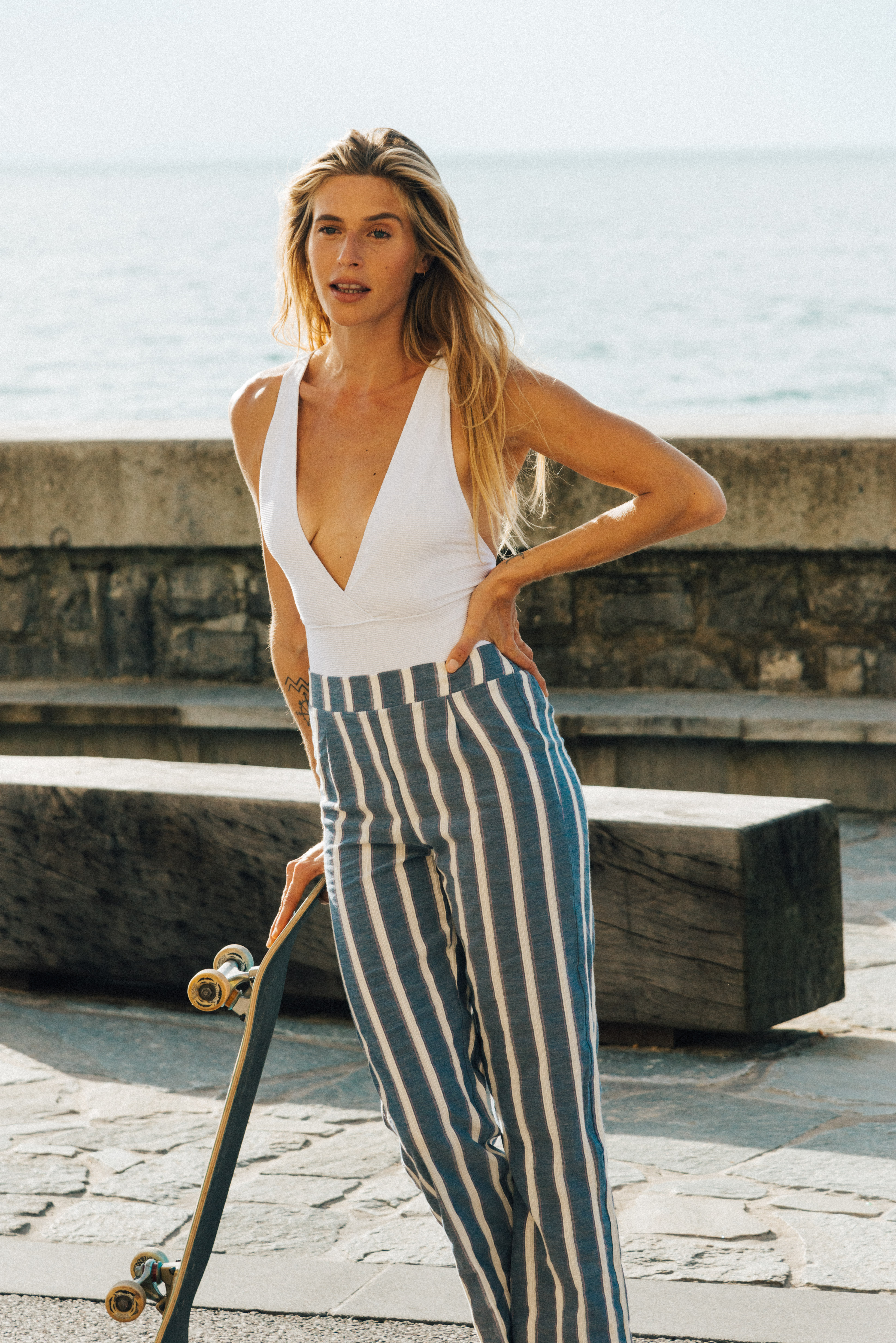 Trousers Doux refuge with blue stripes