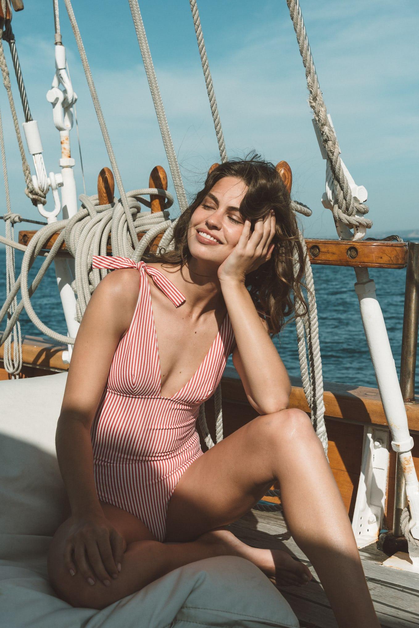 sur le pont d'un bateau