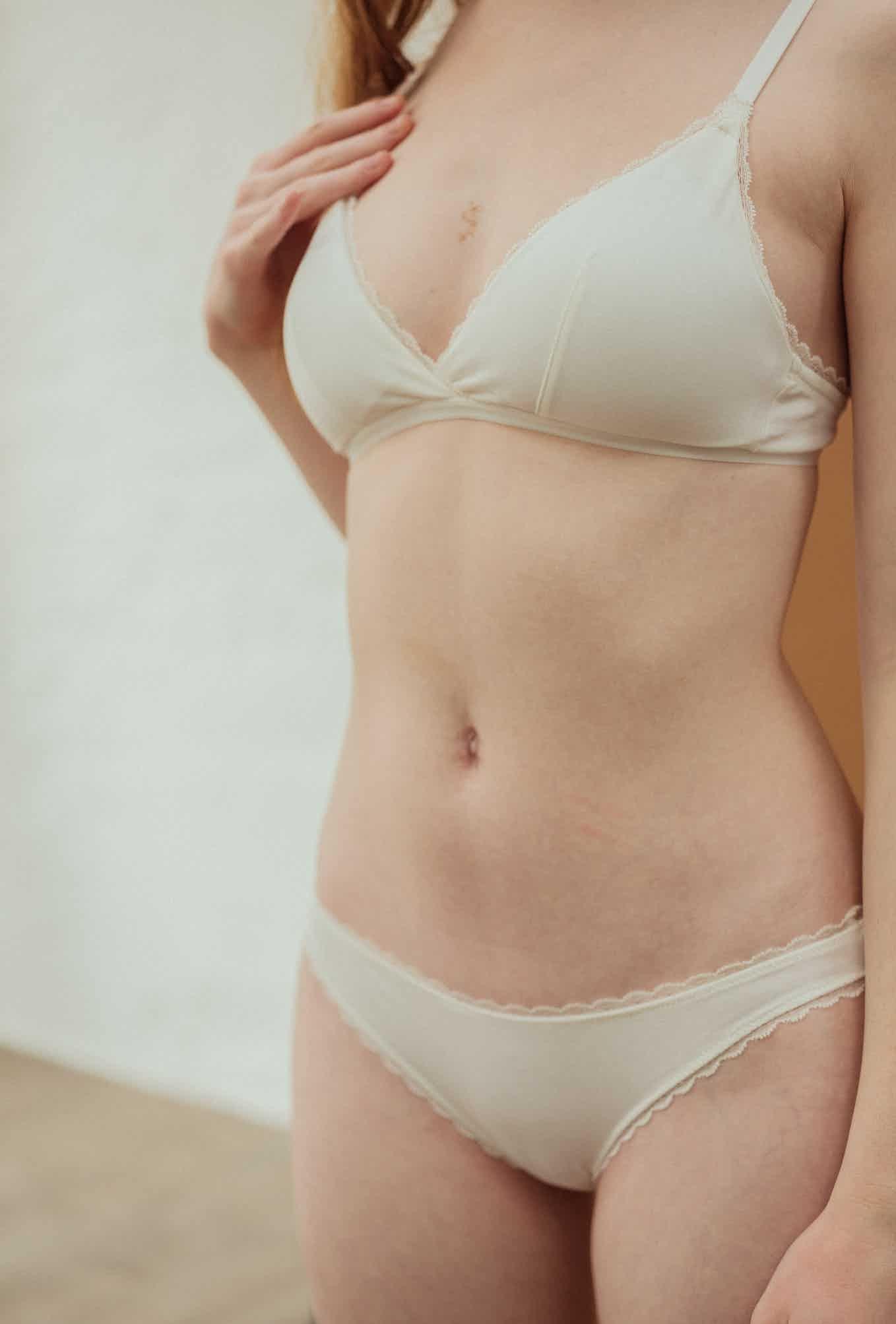 Première fois triangle bra in Ivory