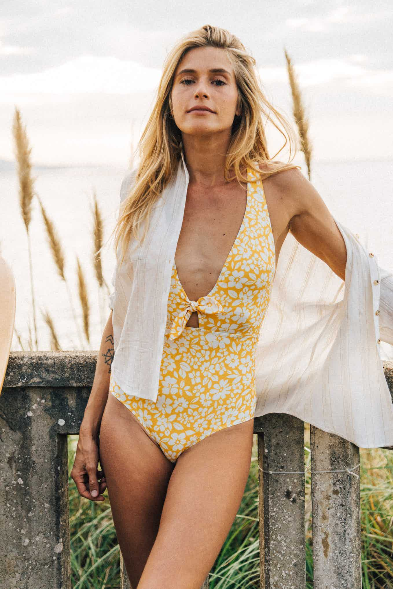 Swimsuit Sur le sable yellow print
