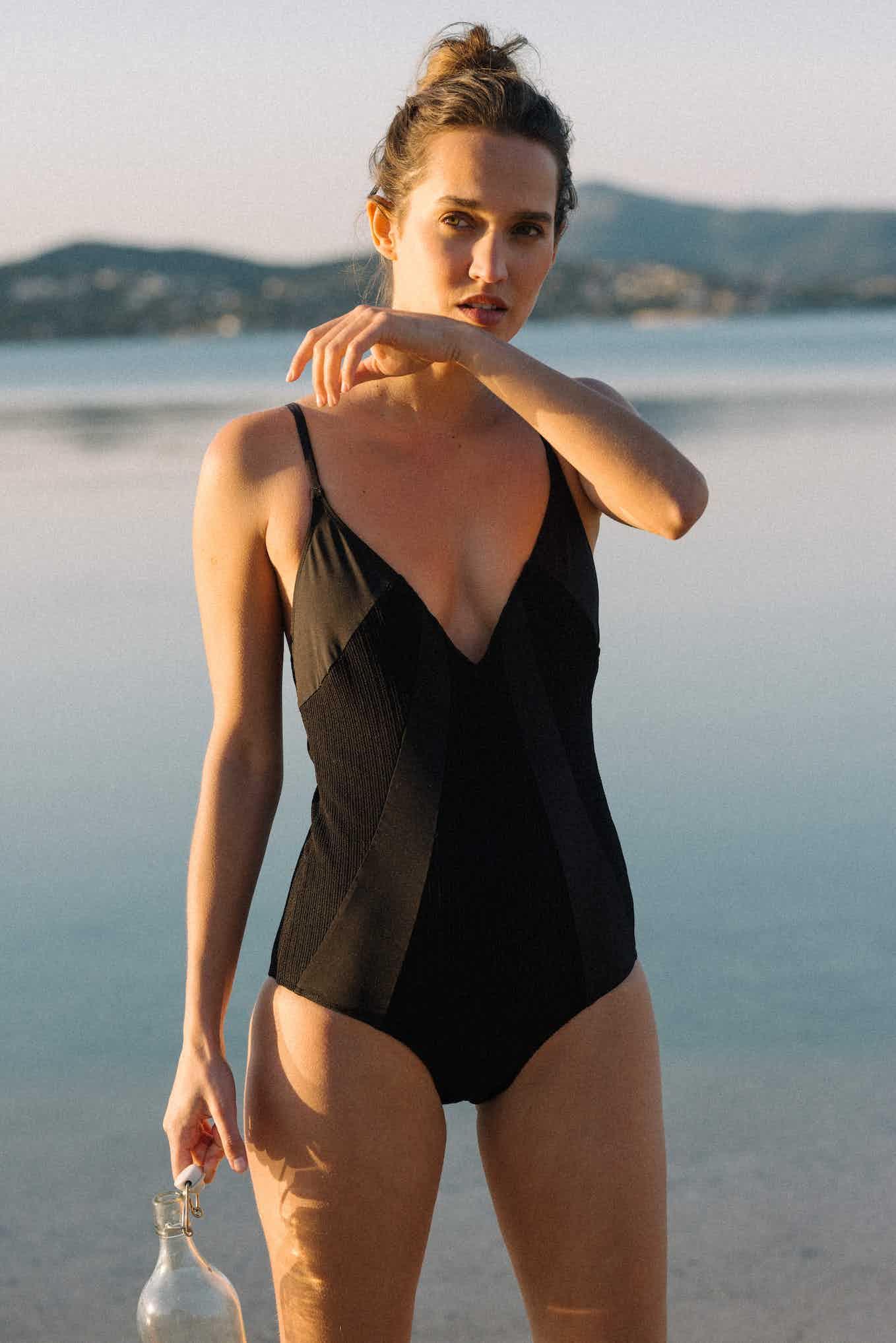 Swimsuit Soleil brûlant in black