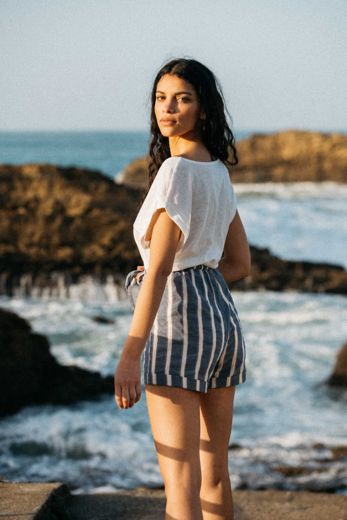 Shorts Doux refuge with blue stripes