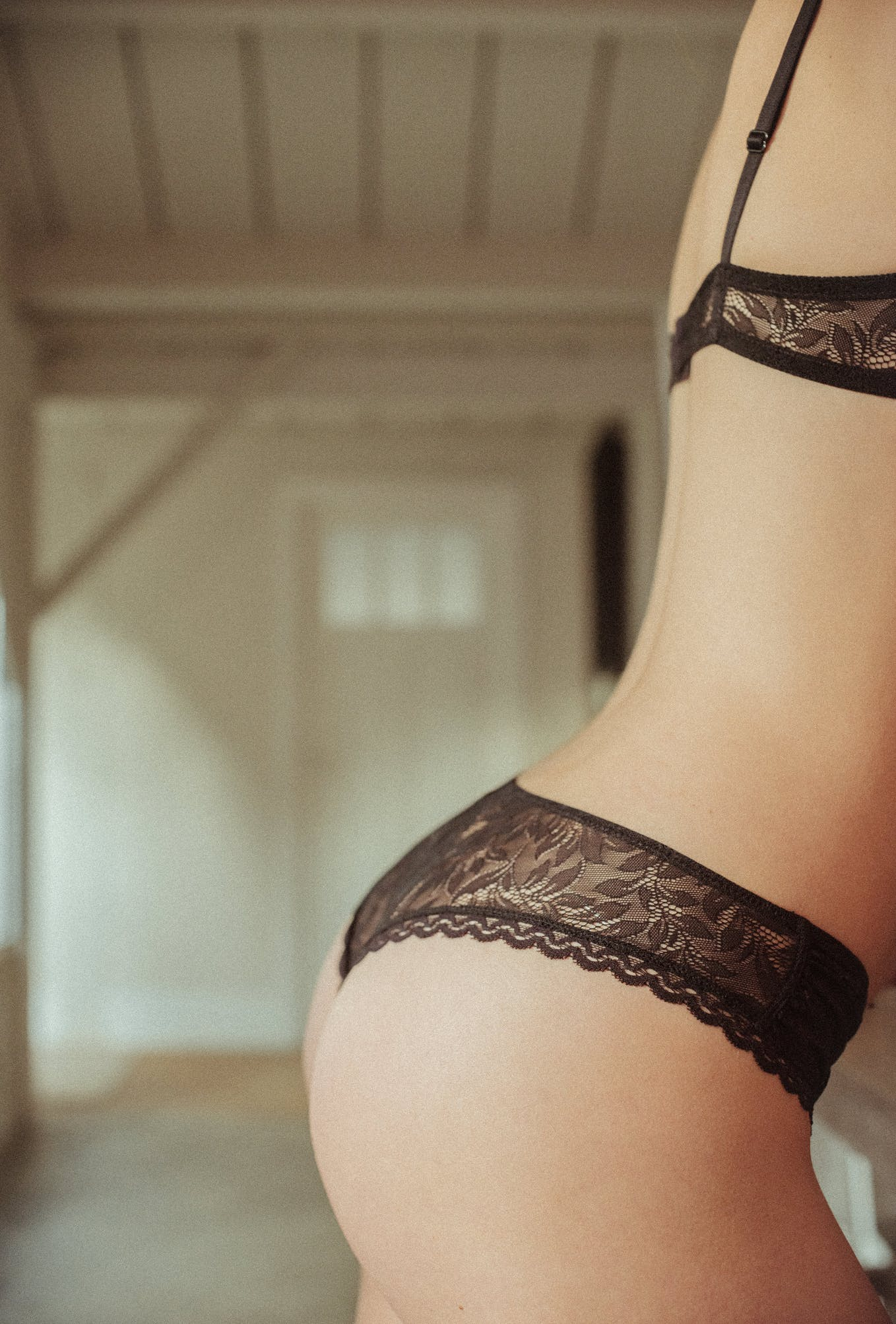 Les flots du coeur Tanga briefs in black lace