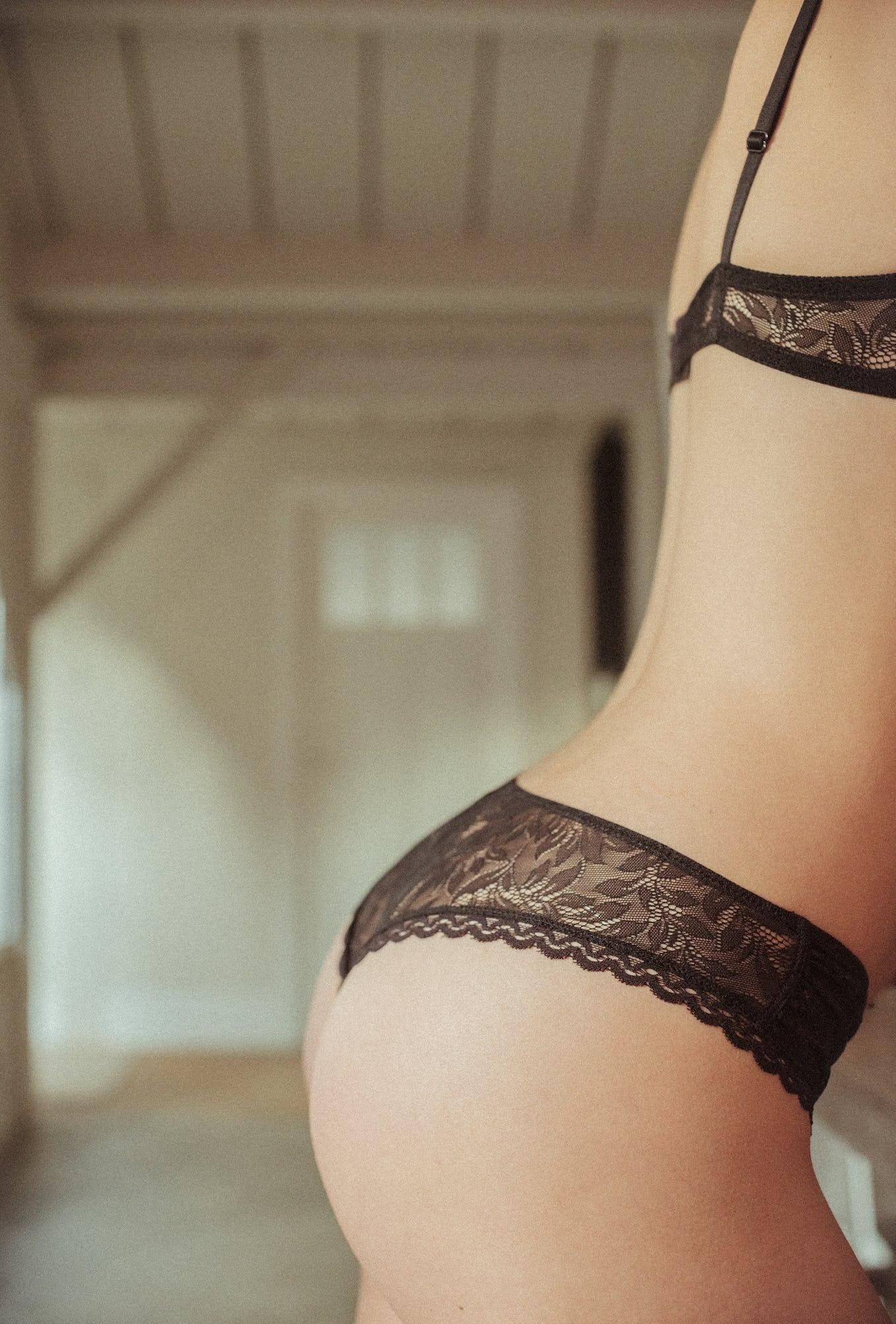 Tanga Les flots du coeur in black lace