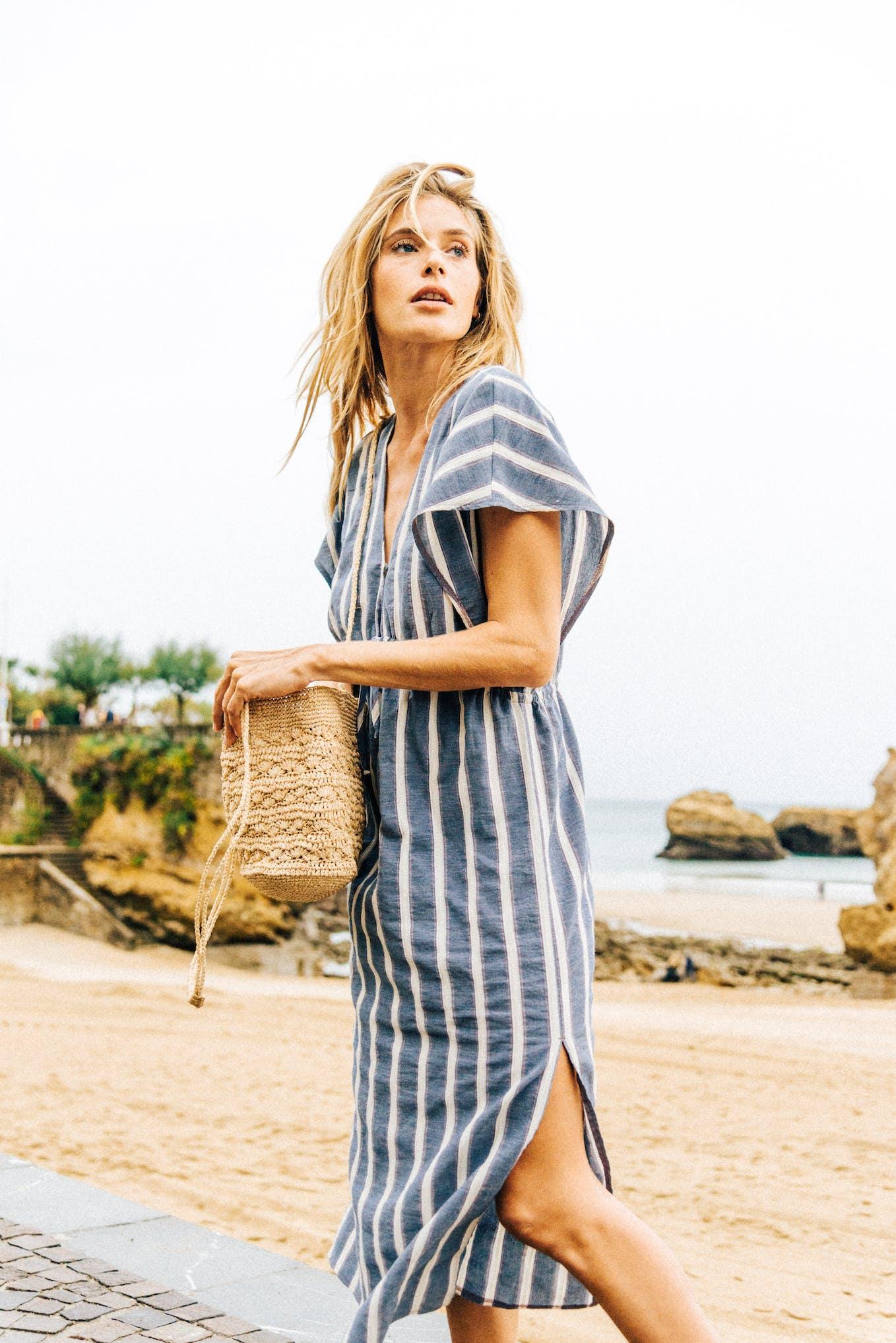 Dress Doux refuge with blue stripes