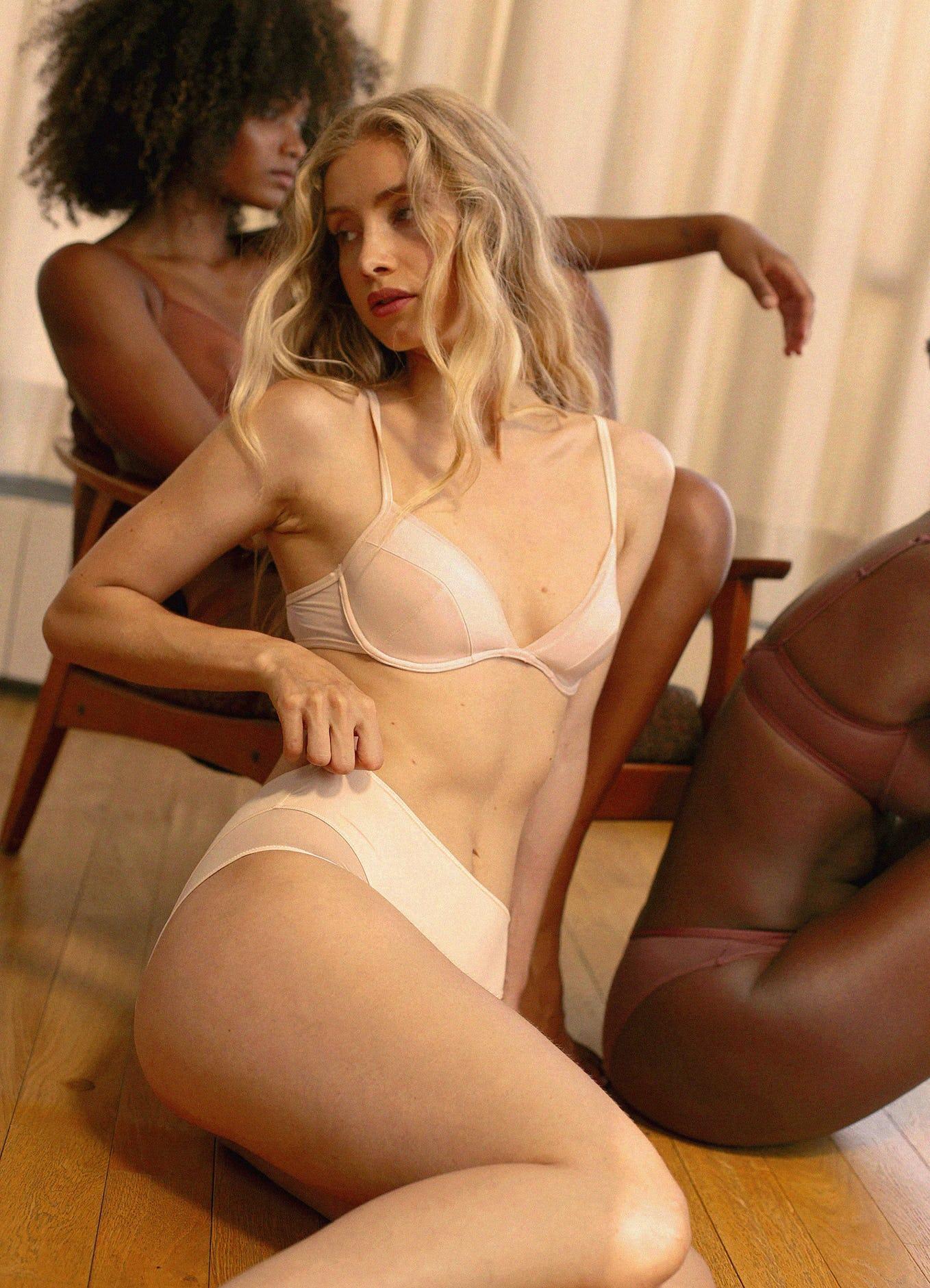 push-up histoire de femme beige clair
