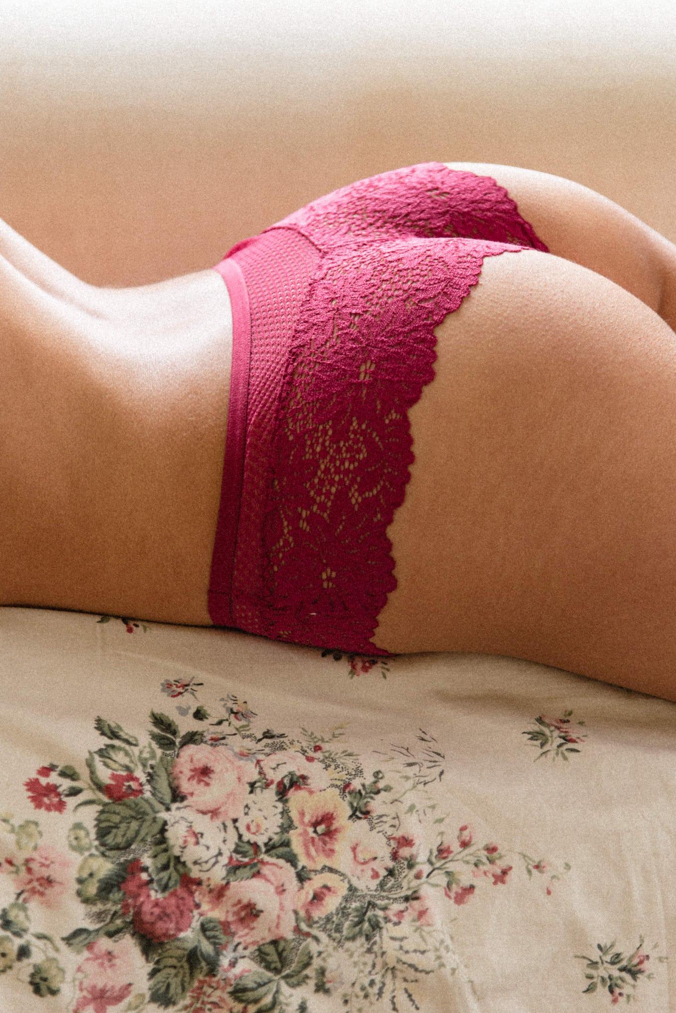 Lingerie set Le jour commence in Fuchsia pink