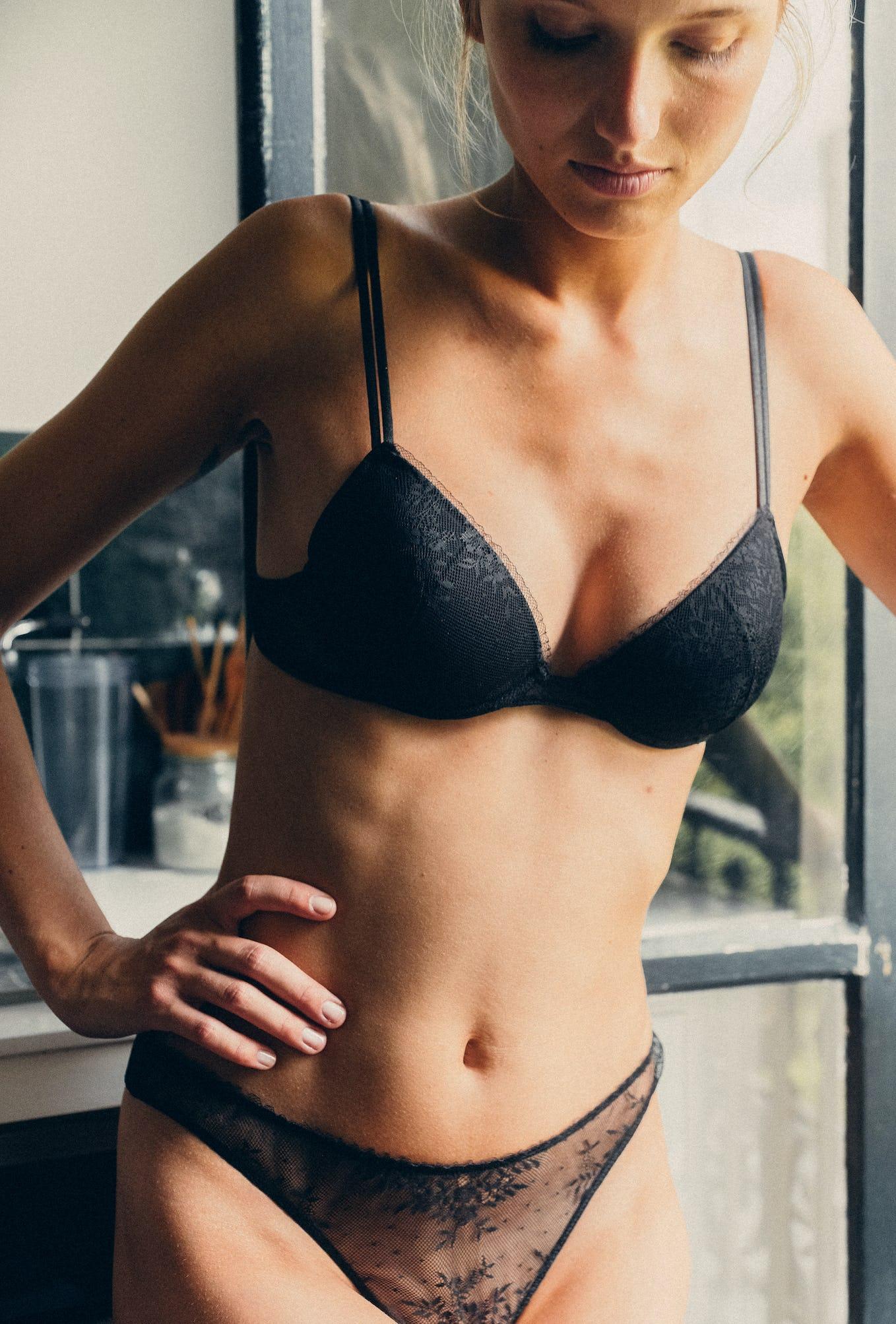 Ensemble de lingerie un jour au soleil noir avec push-up et culotte