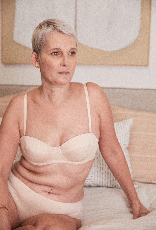 Ensemble de lingerie histoire de femmes nude bandeau et culotte mi-haute