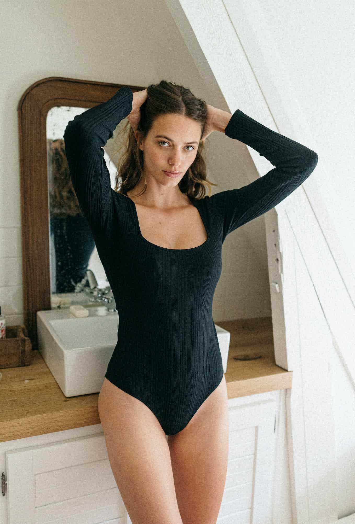 Louve Bodysuit in black