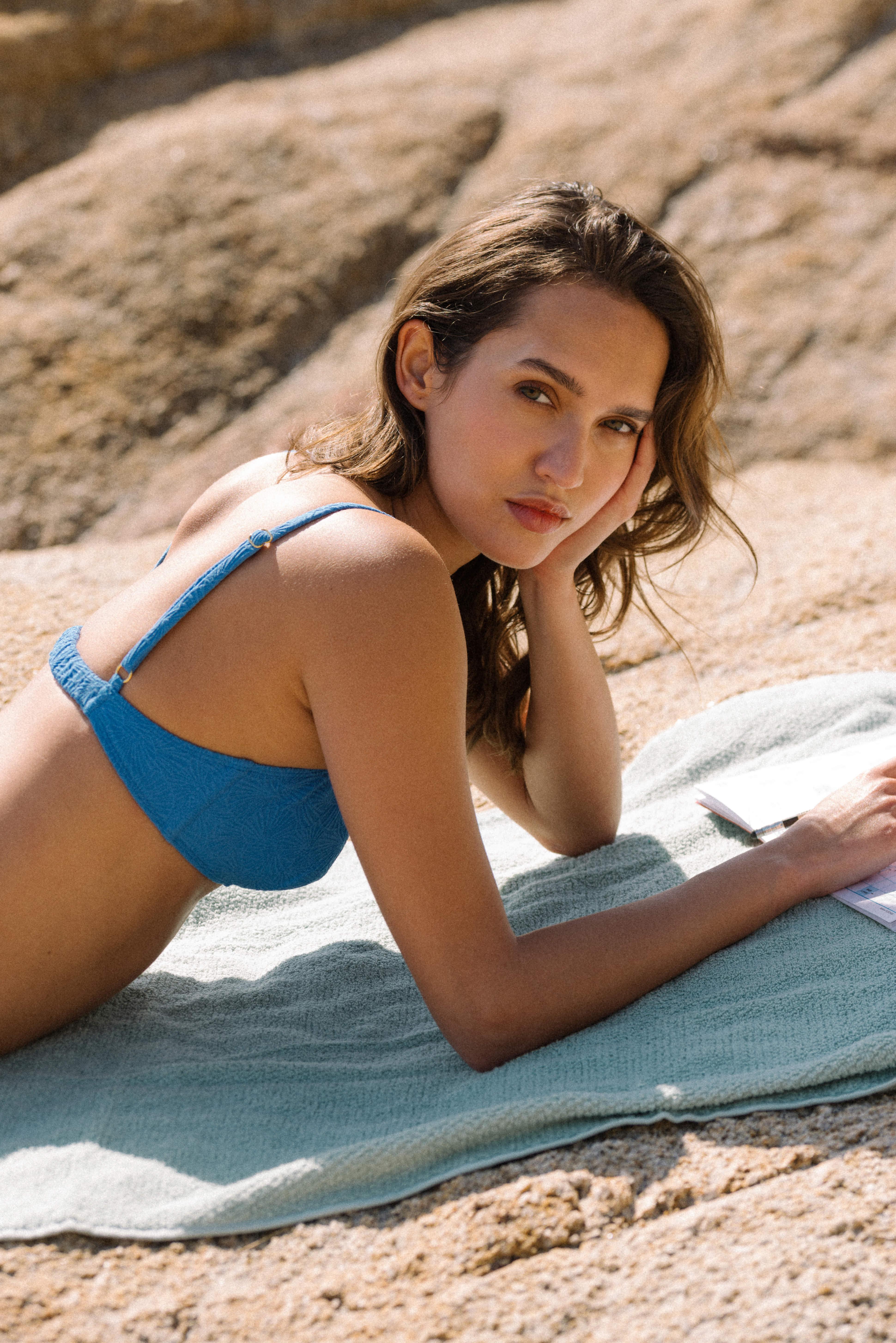 Swimsuit Baiser coquillage in Azure blue