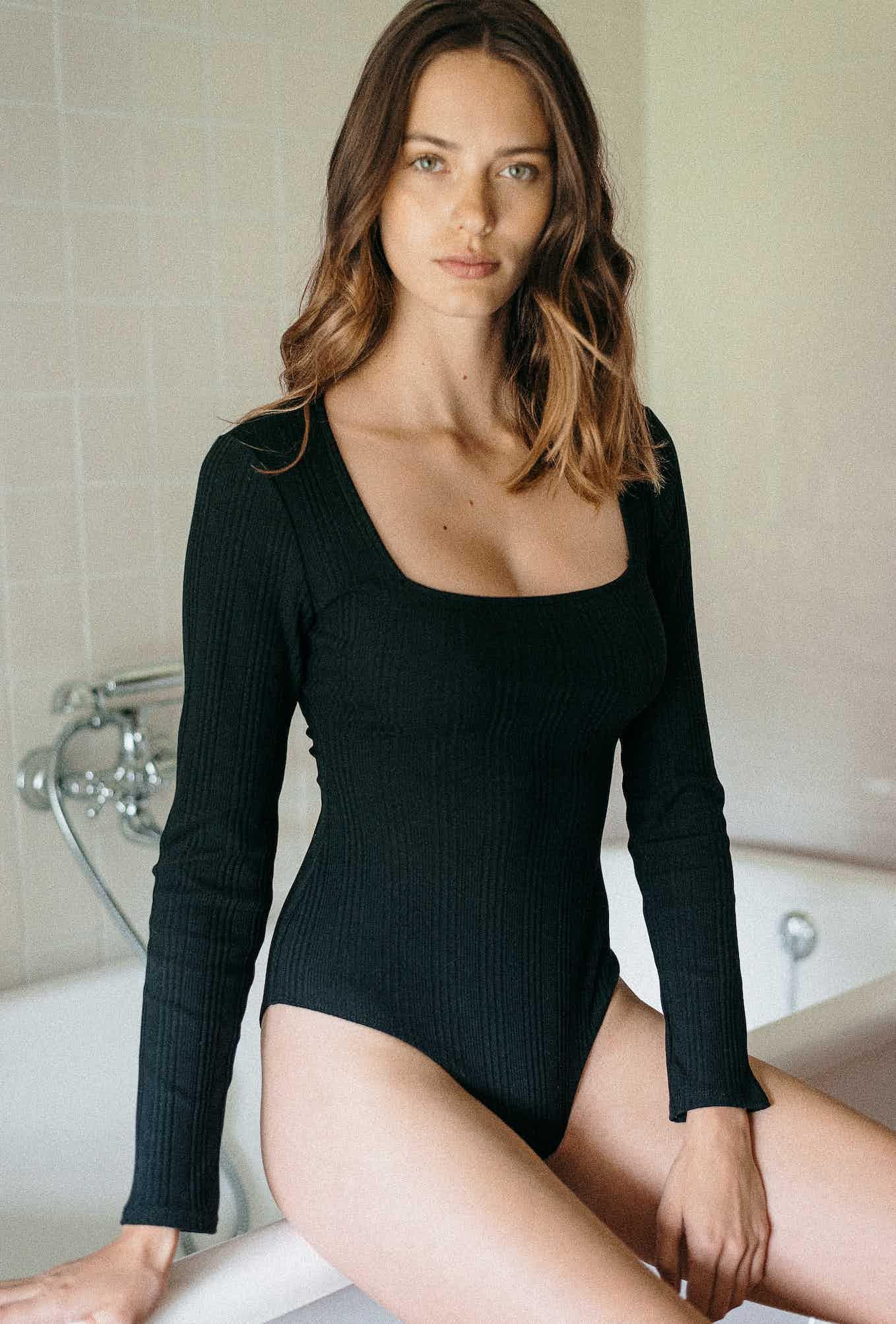 body louve noir
