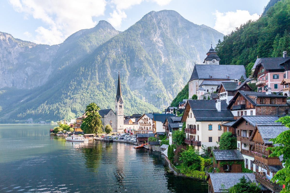 Picture of a village by a lake