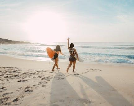 filles à la plage