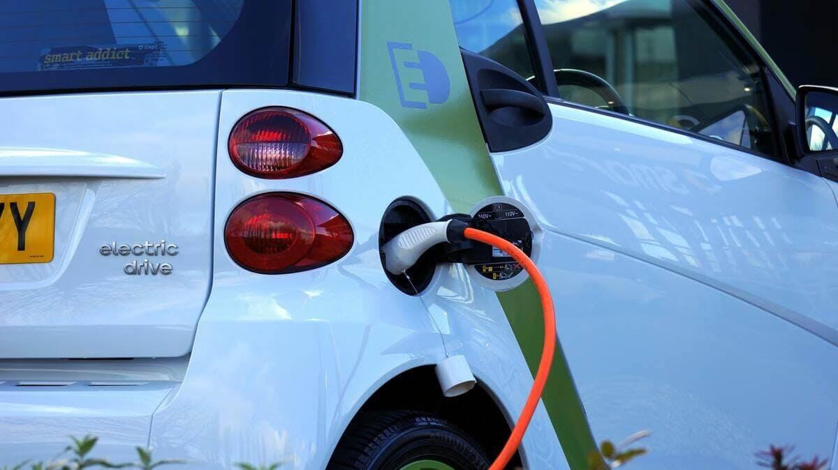 Recharger de voiture électrique