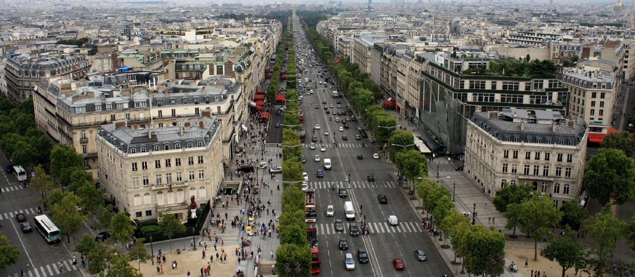 LOM law: traffic in Champs-Elysées, Paris