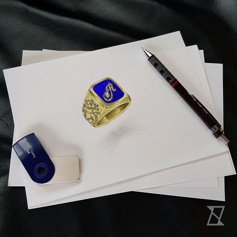 Projekt sygnetu na zamówienie w żółtym złocie z lapis lazuri.