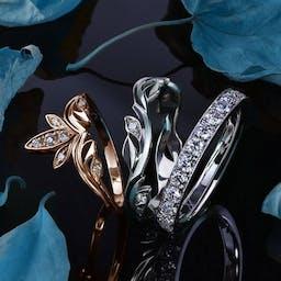 Komplet damskich obrączek wysadzanych diamentami
